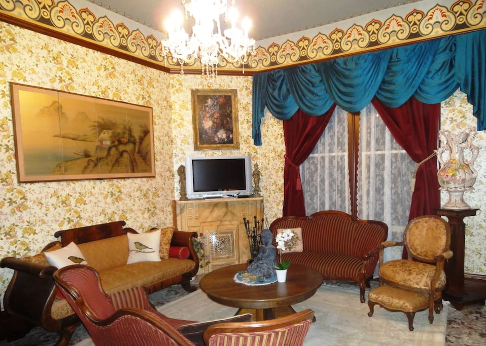 Grand Parlor Room