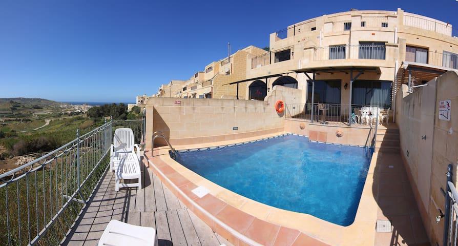 Cliff Edge House with Pool and Views, Xaghra, Gozo - Xagħra - House