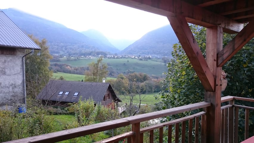 Studio in a mountain house - Faverges - Huis