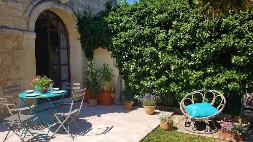 Belles chambres, jardin et P'tit dèj Bio au soleil