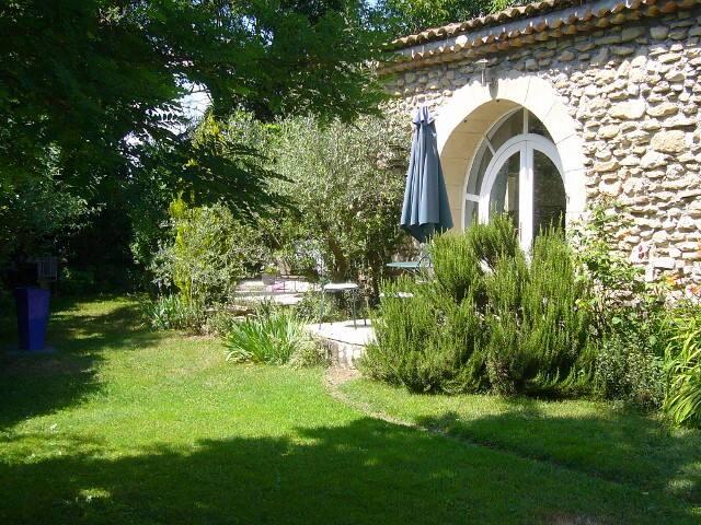 Le Clos de l'Ambr(URL HIDDEN)Drôme - Divajeu - Bed & Breakfast