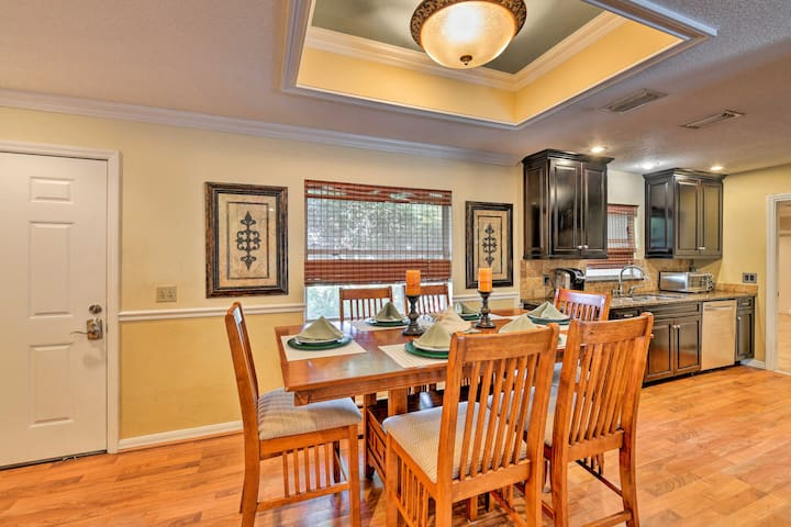 You'll love preparing meals in the pristine full kitchen.