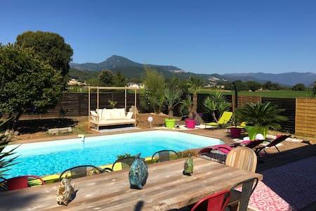 Villa idéalement située avec piscine. - Penta-di-Casinca