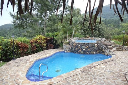ENCHANTING MTN PARADISE POOL JACUZZI - Altos del Maria - House