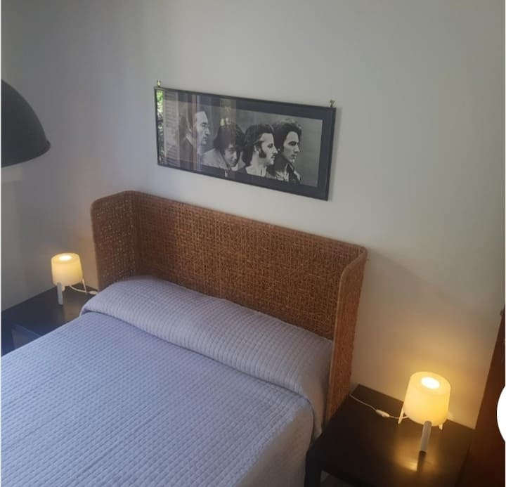 Joe Confort room 6