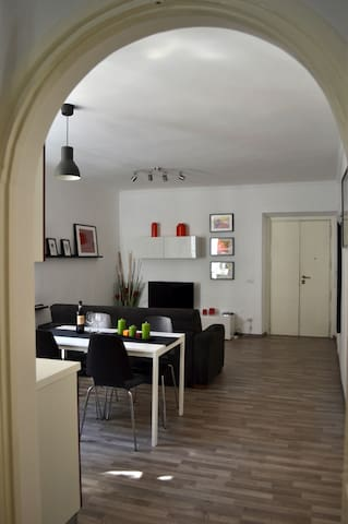 SPANISH STEPS apartment | Wi-Fi | Fully A/C