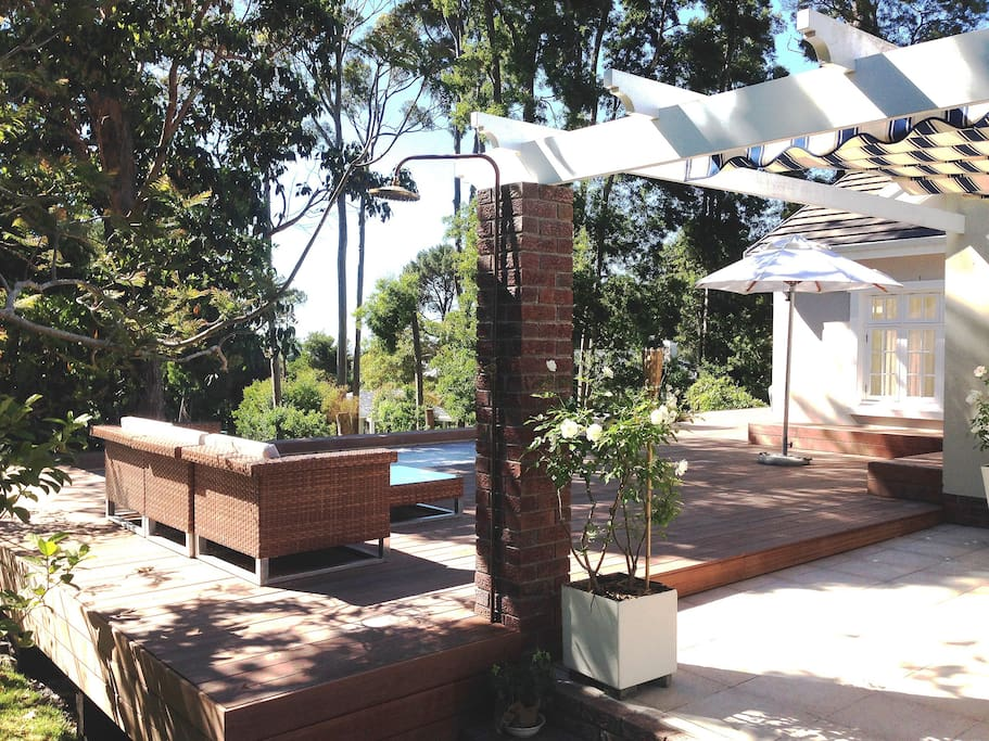 Outdoor shower, lounge and dining area (covered)