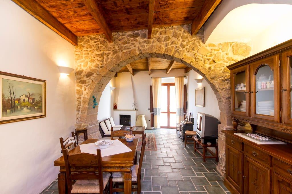 Casa tradizionale sarda case in affitto a sant 39 antioco for Piani casa in stile artigiano 4 camere da letto