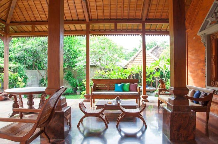 Balinese House In Lebih, Near Keramas Beach