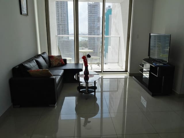 Apartment with 2 bed and balcony in the center
