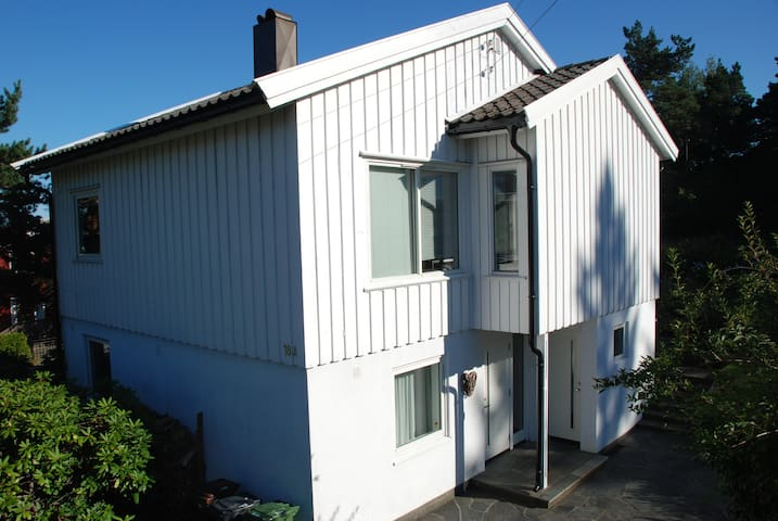 Family house close to sea in Kristiansand - Kristiansand - Ev