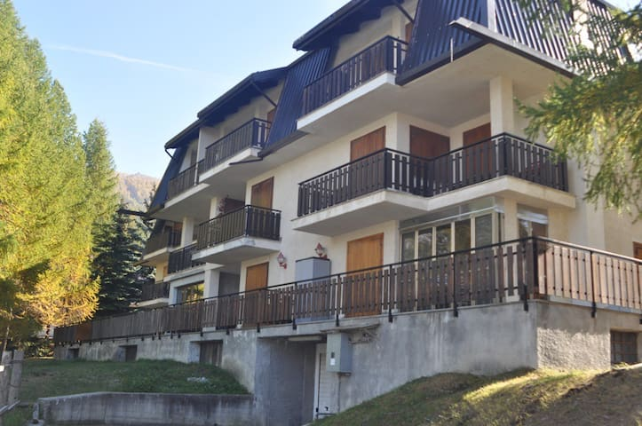 Sauze d'Oulx 50 m from the slopes - Sauze - Apartment