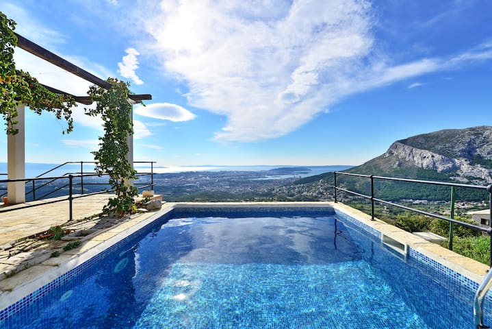 House near Split with unique view! - Klis