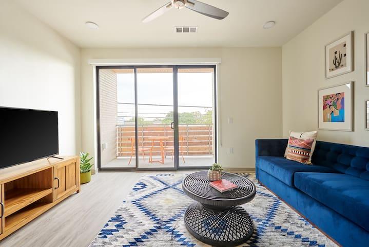 Sonder | The Braxton | Charming 1BR + Balcony