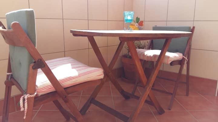 Lovely room in Malaga center.  Only Women