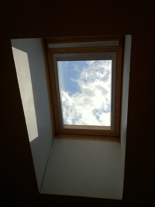 the sky, seen from the bed