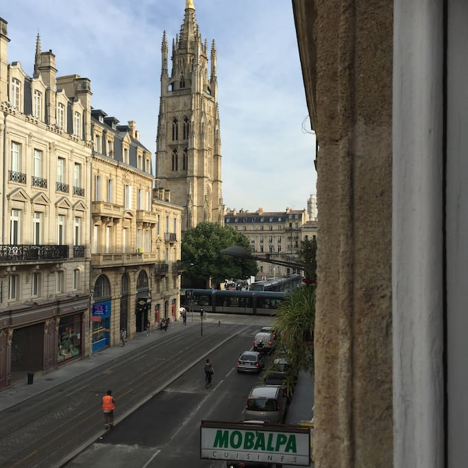 T2 centre ville 50m2 2 balcons proche tram appartements for Appartement bordeaux centre ville location