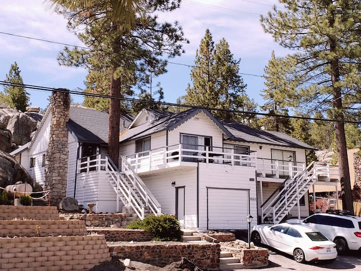 Boulder Bay Lakefront Cabin w/ Spectacular View