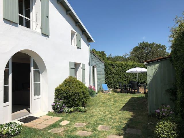 Maison classée 3 * dans la nature.