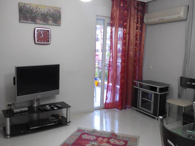 Уютная квартира с двумя спальнями - Antália - Apartamento