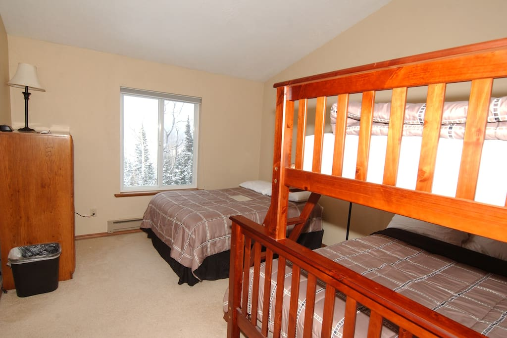 Private Room with Double Bed and Bunk Bed with Single Bed over Double Bed (Sleeps 5 total)