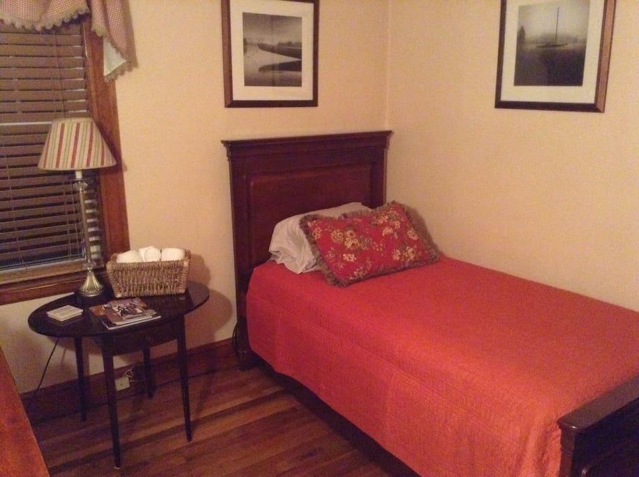 Salem Ma Accommodates Two Salem Marblehead Houses For