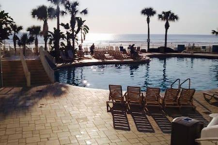 2 bd deluxe Wyndham Ocean Walk, Daytona Beach FL - Daytona Beach