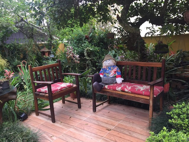 Quarto com Ar Condicionado e lindo jardim