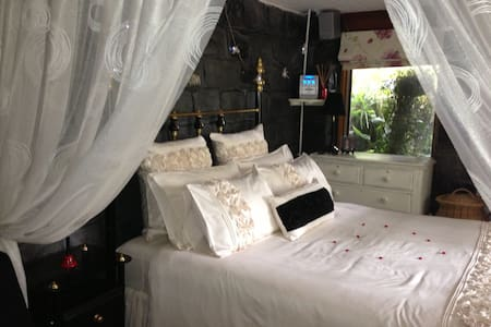 Tranquil natural hideaway - North Warrandyte - Bed & Breakfast