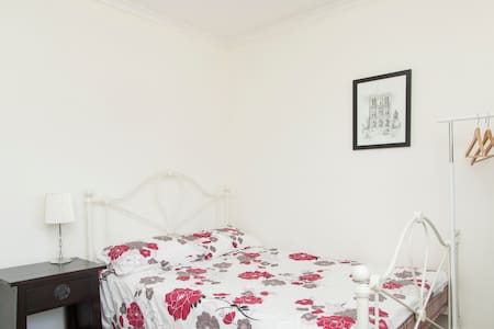 Queen Room with Balcony - Talo