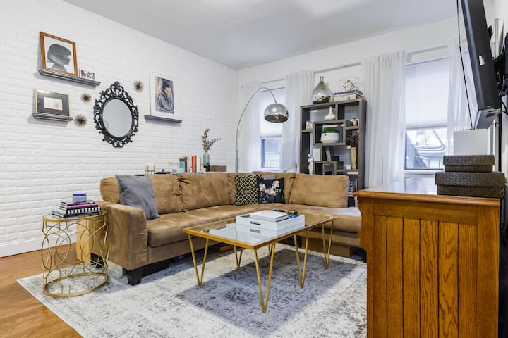 Cozy & Chic 1 Bedroom, Upper East Side, Manhattan