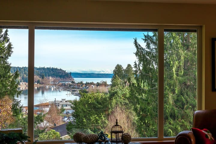 Garden Retreat on the Peninsula - Poulsbo