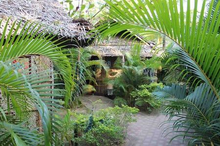 The Palm Trees Resort - Canacona