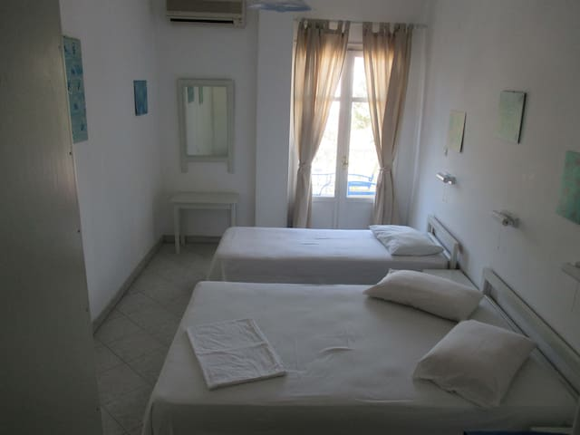 Bright, airy room.  To see videos of the rooms, please try you tube hotel parko channel.