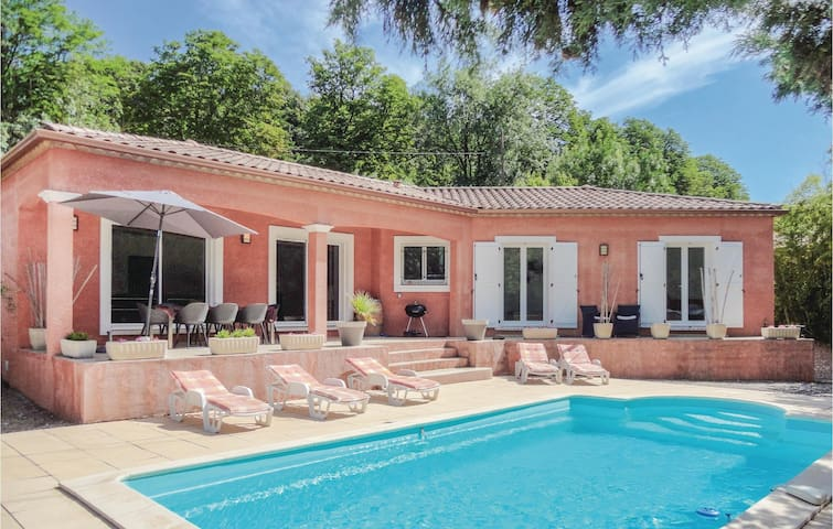 Nice home in Bédarioux with WiFi and 4 Bedrooms