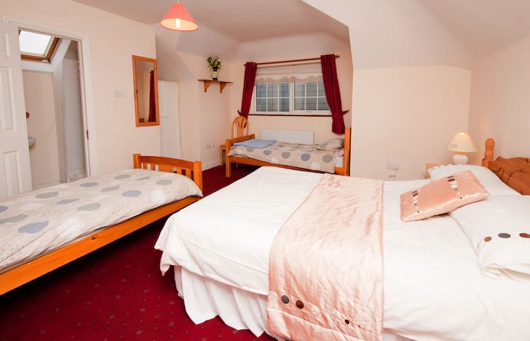 Cloghranguesthouse B&B, Quad Room - Swords - Bed & Breakfast
