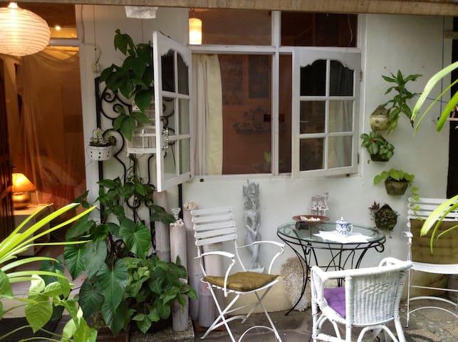 WRITER'S VILLA, ROOM in GARDEN - Ubud - Daire