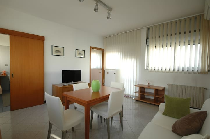 EUR-OTTAVO COLLE Penthouse - Roma - Daire