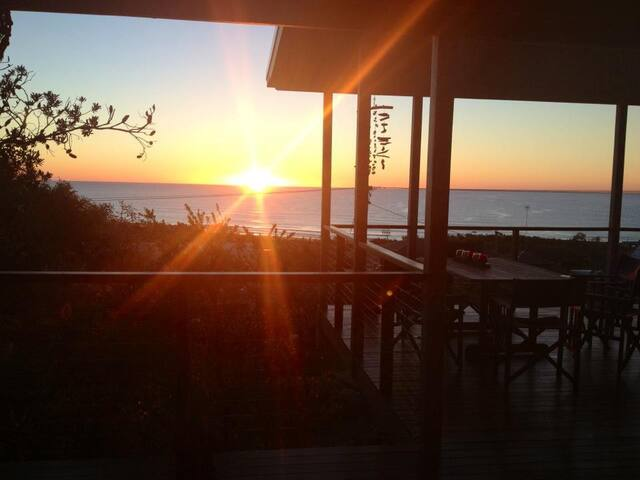 Peregian Beach - lovely sea views - Peregian Beach - Casa