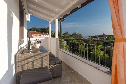 Cozy Apartment Zana in the City of Krk