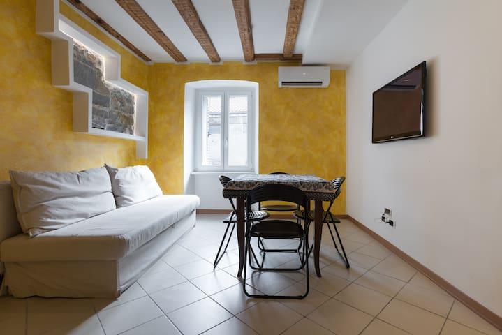 Renewed Modern Flat in Trieste - Central - wifi