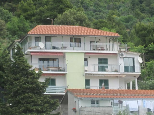 Come and have a lovely holiday - Igrane - Wohnung