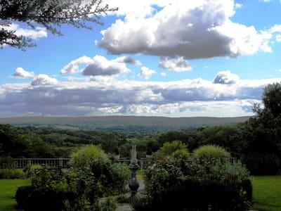 Enjoy the loveliest views in Sussex - Ashurstwood