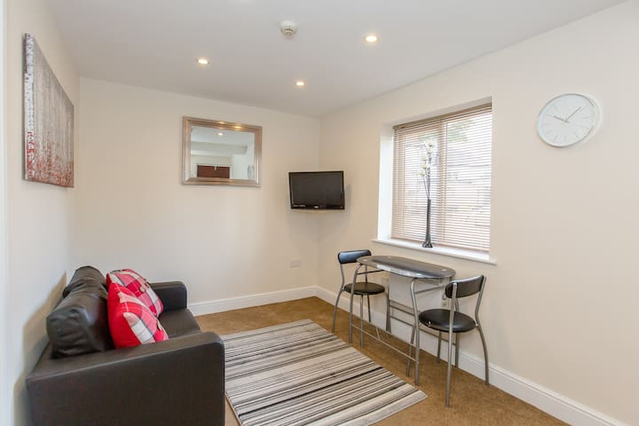 Stansted 1bed Suite Longer-term