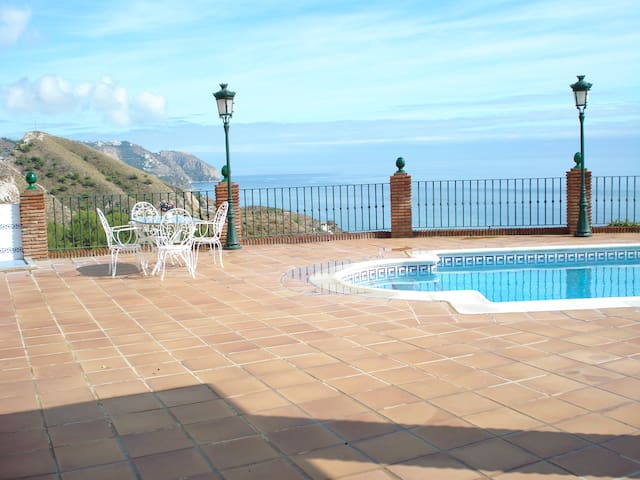 Holiday home,private pool,Nerja,panoramic sea view