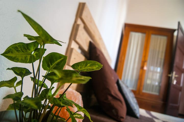 Spacious and cosy double room. Tegueste, Tenerife - Tegueste - Hus