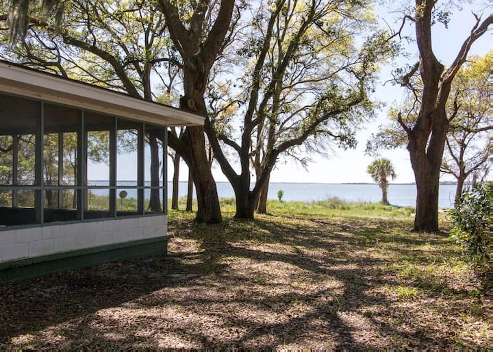 Pet-friendly, waterfront home with wifi and screened-in porch