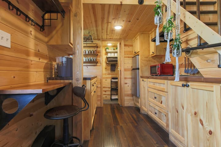 Cardinal's Nest of Magnolia Tiny House Village