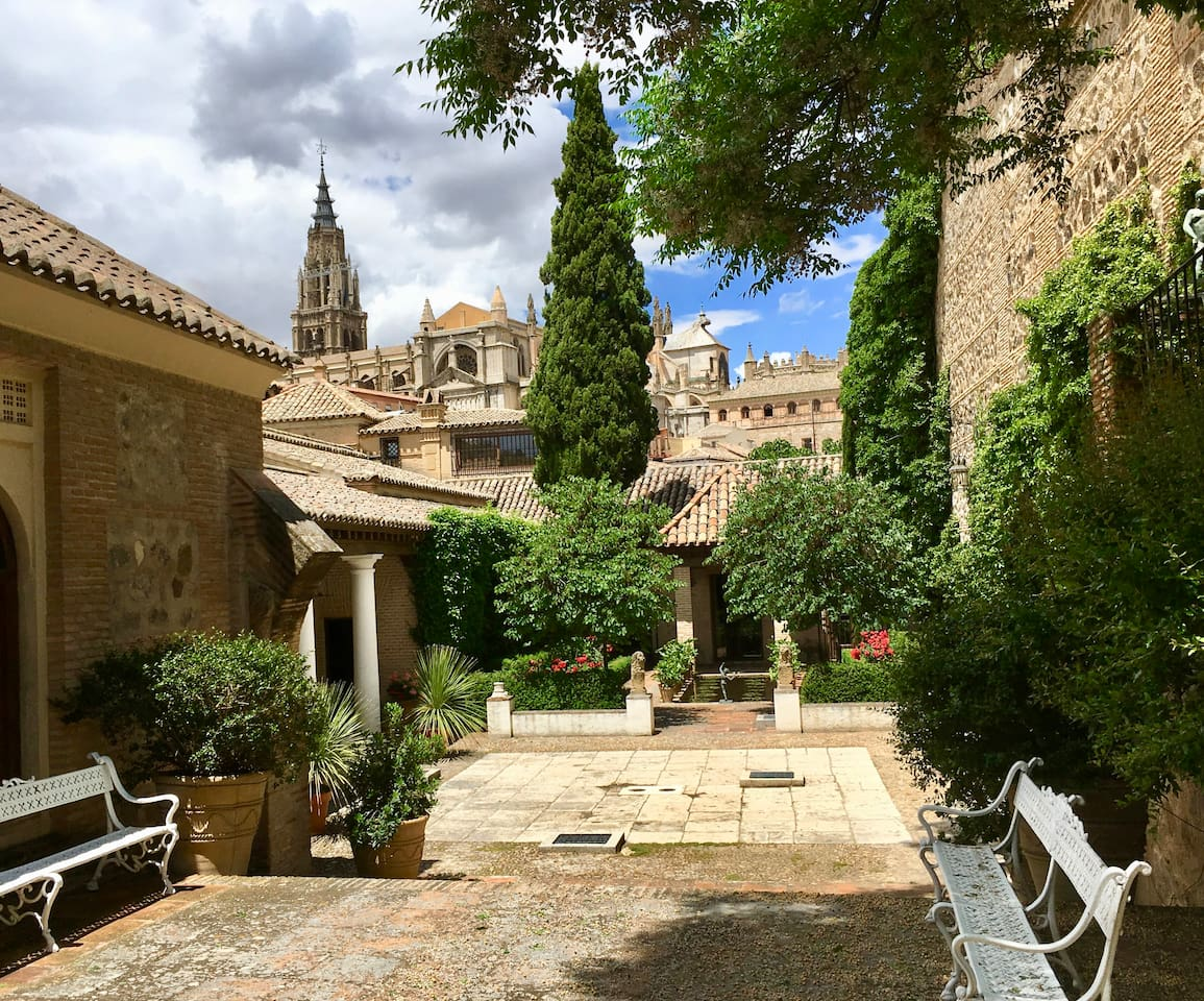 View from the garden of the Palace to the Cathedral. Just at 5 minutes walking distance.