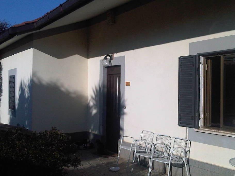 Villa con giardino vicino lago di bracciano roma case for Lago vicino milano